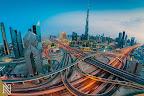 站在天台看迪拜