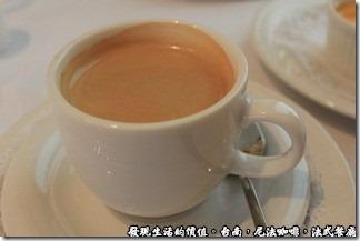 尼法咖啡,法式餐廳。義式咖啡有點像是濃縮的Espresso,有點苦。