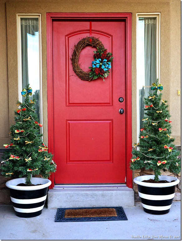 Front Porch Christmas Decor daytime