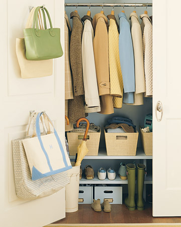 I love the different layers of shelving at the bottom of the closet, you can store so much!