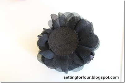 Easy Handmade Flower Clips  for Flip Flops &amp; Sandals from Setting for Four #handmade #easy #clip #shoe (2)