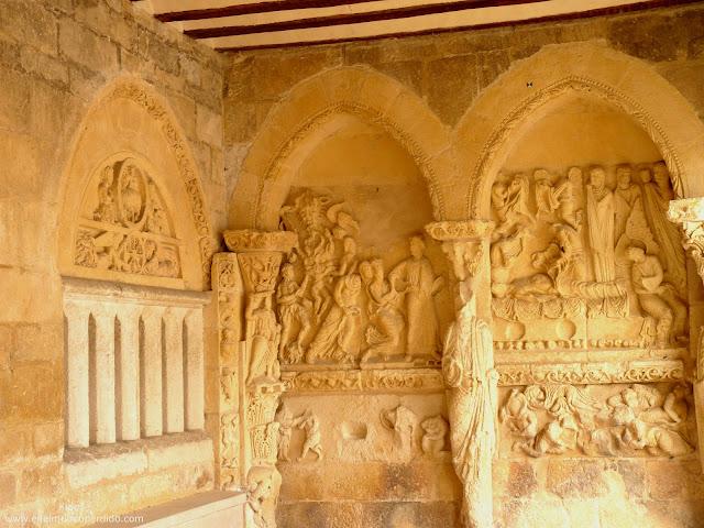 portico-basilica-de-armentia.JPG