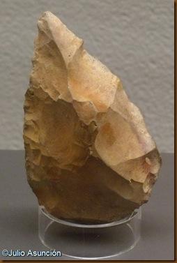 Bifaz de Aranzaduia (Sierra de Urbasa) - Museo de Navarra