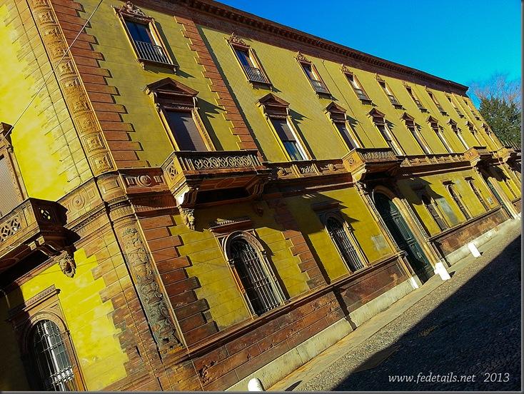Palazzo Gulinelli ( facciata ), Ferrara, Emilia Romagna, Italia -Gulinelli building (facade), Ferrara, Emilia Romagna, Italy - Property and Copyrights of FEdetails.net