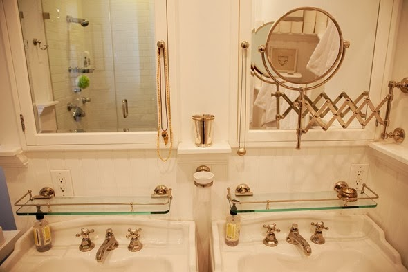 lyndsay caleo bath