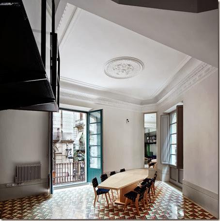 10-Carrer-Avinyo-David-Kohn-Architects-Barcelona-photo-Jose-Hevia-Blach-yatzer