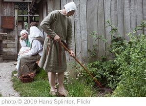 'working in the garden' photo (c) 2009, Hans Splinter - license: http://creativecommons.org/licenses/by-nd/2.0/