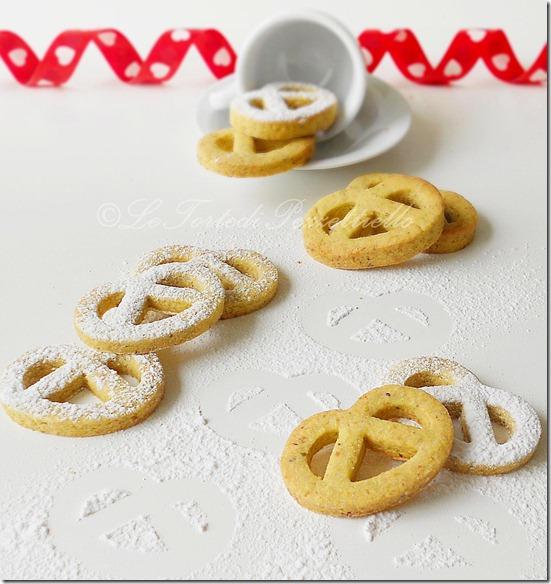 Biscotti pretzel al pistacchio