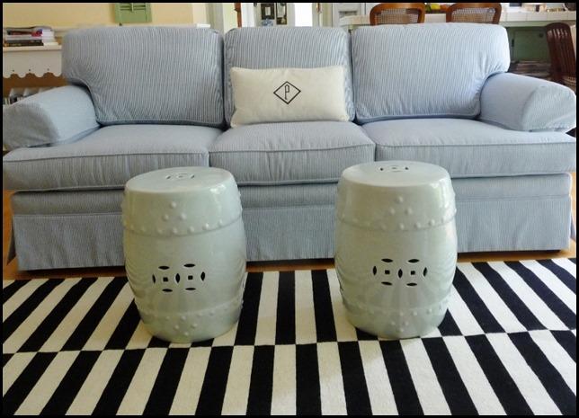 new sofa in room 001 (800x576)