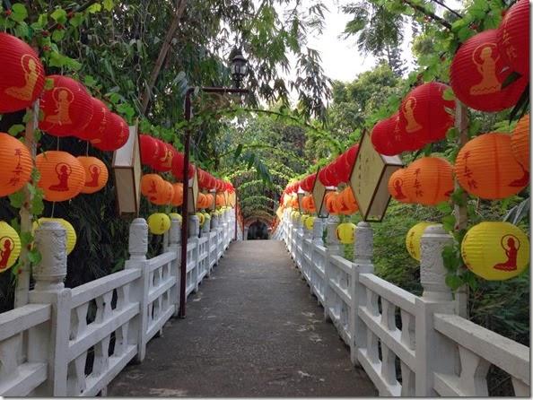 寶橋與平安燈