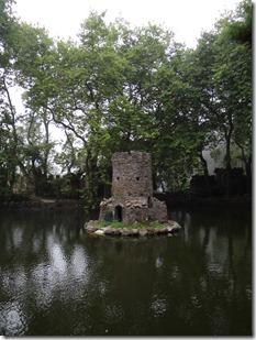 Une tour au milieu du dernier des lacs