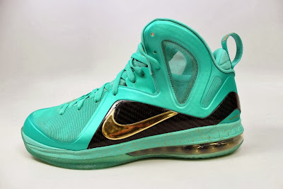nike lebron 9 ps elite statue of liberty pe 4 07 It Takes $12,900 To Own Two Pairs of Rare LeBron 9 PS Elite PEs