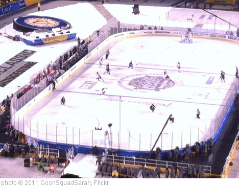 'Winter Classic 2011' photo (c) 2011, GoonSquadSarah - license: http://creativecommons.org/licenses/by-nd/2.0/