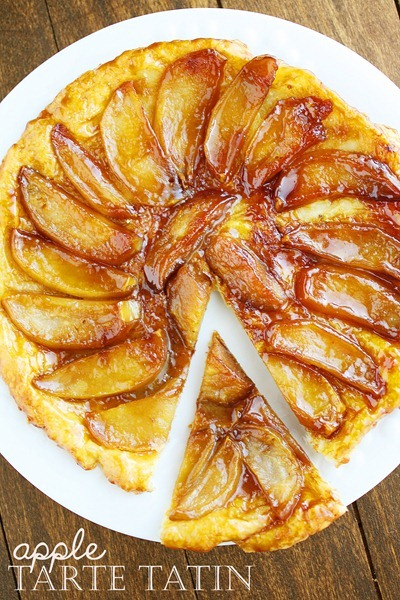 Apple Tarte Tatin – Apples, sugar, butter and puff pastry are all you need for this delicate, delicious apple tarte tatin! | thecomfortofcooking.com