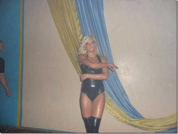 middle-school-striptease-14