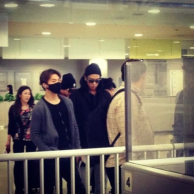 TOP - Kansai Airport - 14apr2014 - Fan - 2.jpg