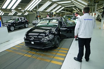 VW-Golf-assembly-line