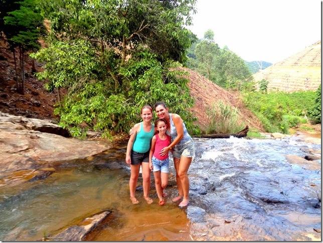 Nós três na  cachoeira