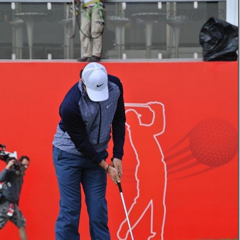 Rory McIlroy Amazes Onlookers With Balancing Trick While Putting With His New Nike Method Putter