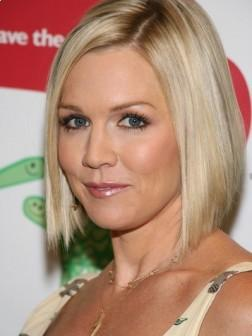 Jennie Garth Short Blonde Hairstyle