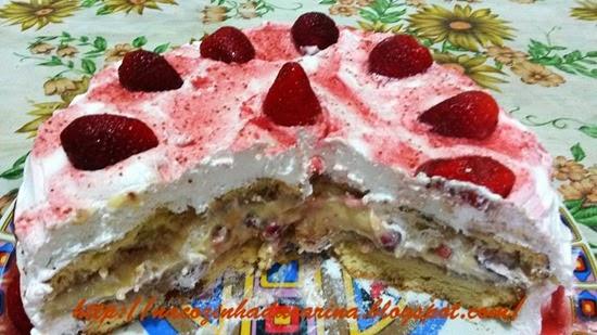 bolo-de-aniversário---morango-e-chantilly-02