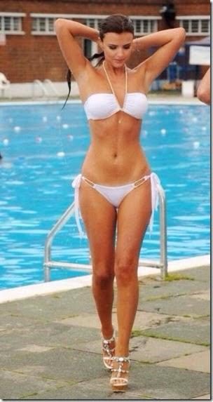 summer-bikinis-babes-027