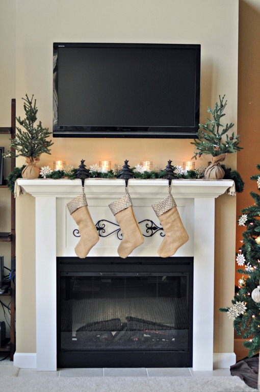 Decor and the Dog Holiday Mantel 1