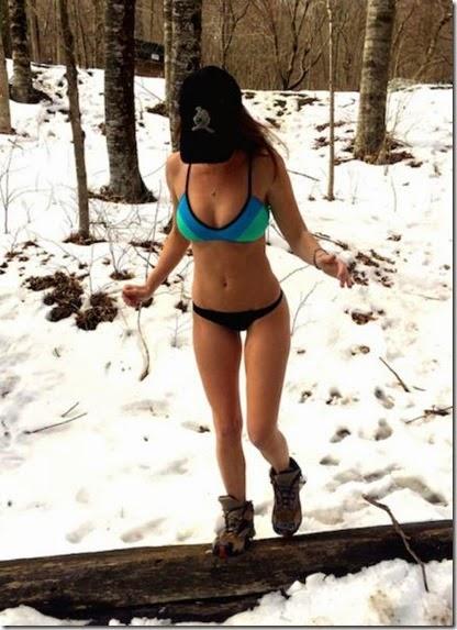 summer-bikinis-babes-006