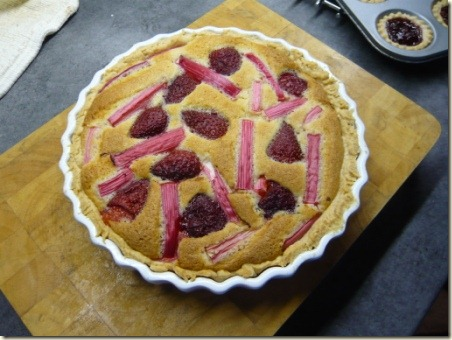 rhubarb and strawberry tart2