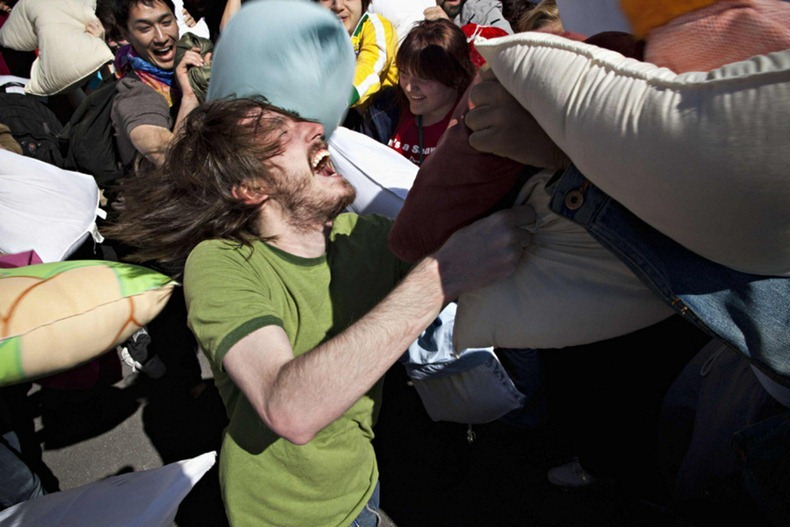 pillow-fight-2012-11