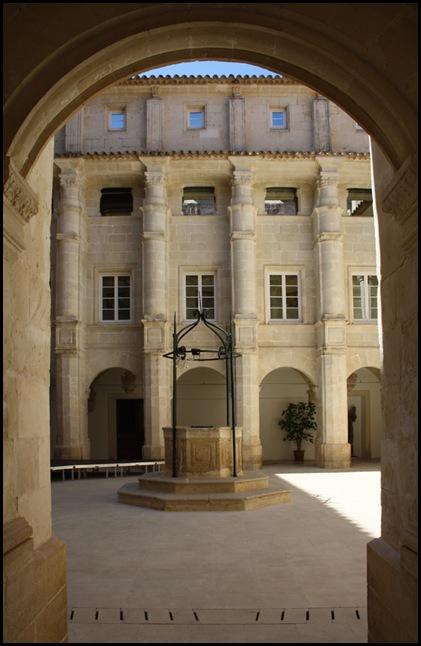 Menorca. Maó. Museu de Menorca. Claustre de l'església de Sant Francesc