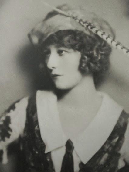 Dorothy Stone 005
