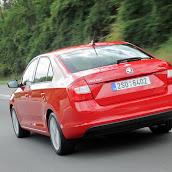 2013-Skoda-Rapid-Sedan-Red-Color-12.jpg