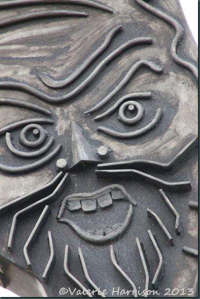 4-sculpture-detail
