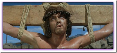 Imagem de Jeffrey Hunter crucificado no filme O Rei dos Reis.