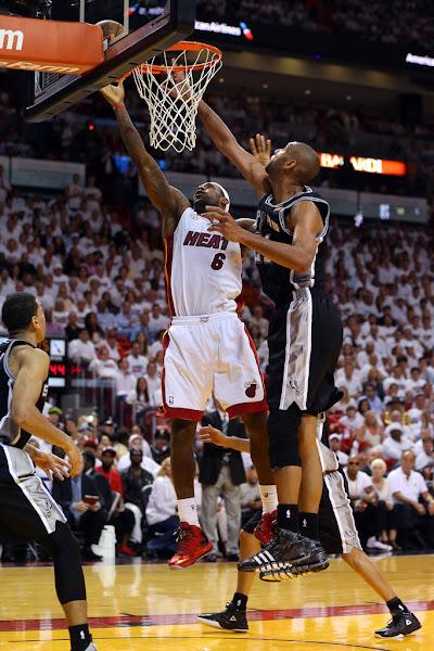 Spurs Steal Opener Despite LeBron James8217 Massive Triple Double