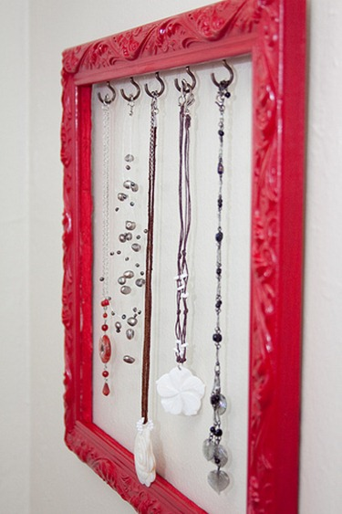 framed jewelry holder tutorial