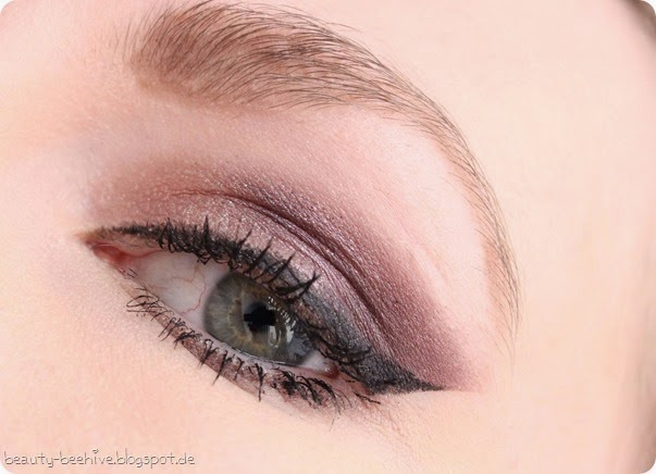 MAC Julia Petit Eyeshadow Duo Sagu Swatch Amu Make up Purplemyweek Cinderella Glitter Reflects Pearl 2