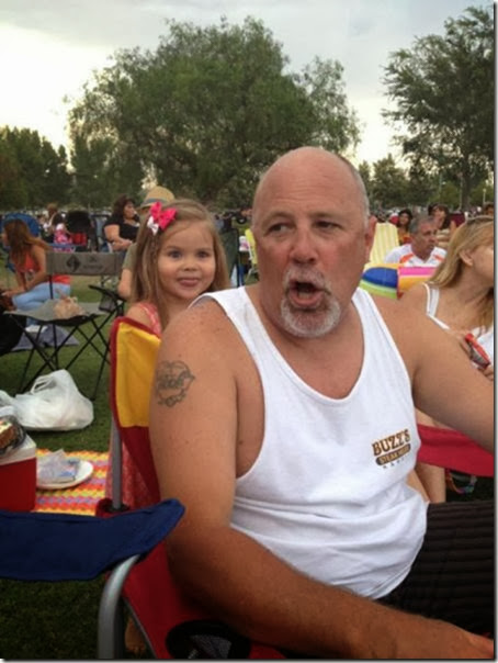 photobombs-funny-face-12