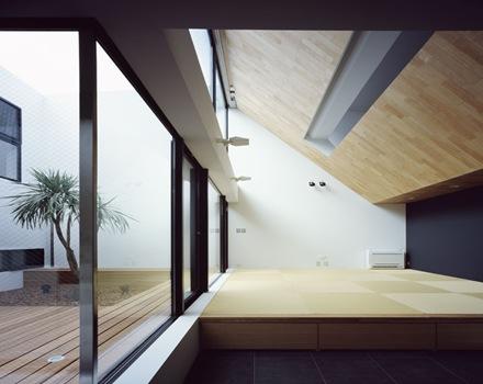 muros-inlcinados-arquitectura-contemporanea-construccion-de-casas