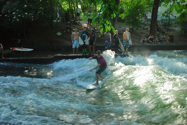 Photos de bavi re for Jardin anglais munich surf