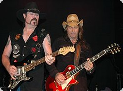 Hughie Thomasson and Chris Anderson performing in August 2006