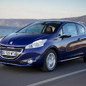 2013-Peugeot-208-HB-1.jpg