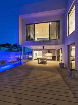 terraza-cubierta-casa-de-lujo