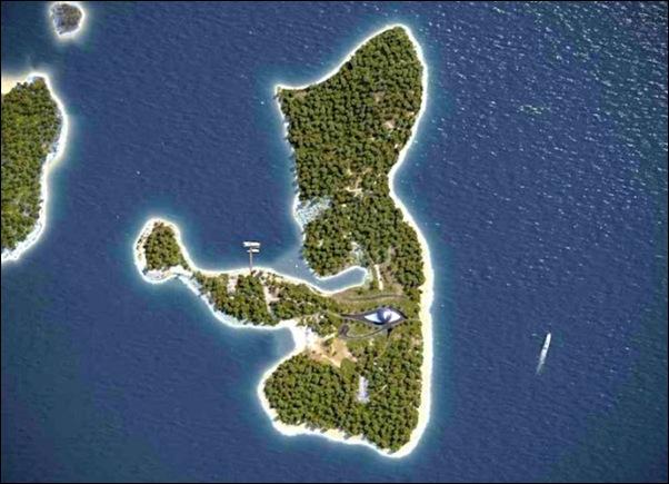 L'île déserte de Naomi Campbell 6