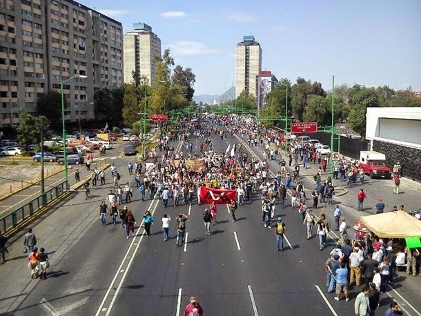 Llama Mancera a procurar la paz durante marcha del 2 de octubre
