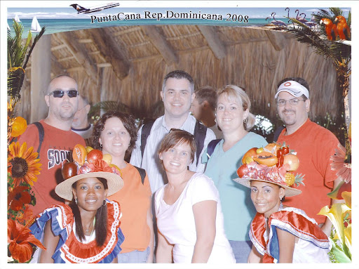 Group shot on arrival at Punta Cana airport.