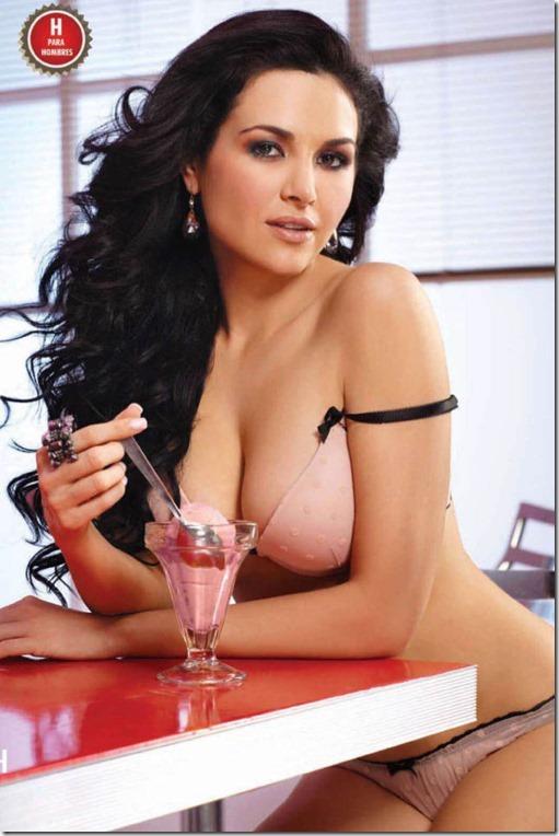 hot-mexican-models-29