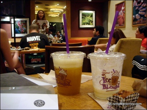 (right) Pineapple Fru-Tea for bf and near empty cup of Pineapple Vanilla Ice Blended for me (left)