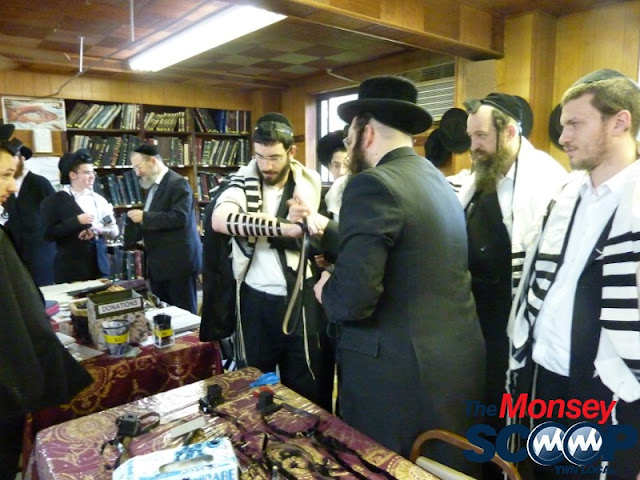 Tefillin Awareness Project - Hanacha KHalacha In Monsey - Monsey%252520-%252520Bais%252520Yisroel%252520009.JPG